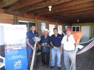 Lufussa entrega a los pescadores materiales, equipo y herramientas para el trabajo que se lleva a cabo durante la veda de 25 días en los campamentos tortugueros del Golfo de Fonseca.